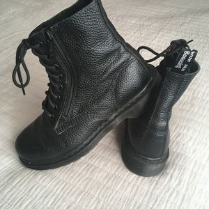 Dr. Martens Pascal with zip